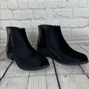 GC Shoes Paylin Black Velvet Ankle Boot Size 8.5